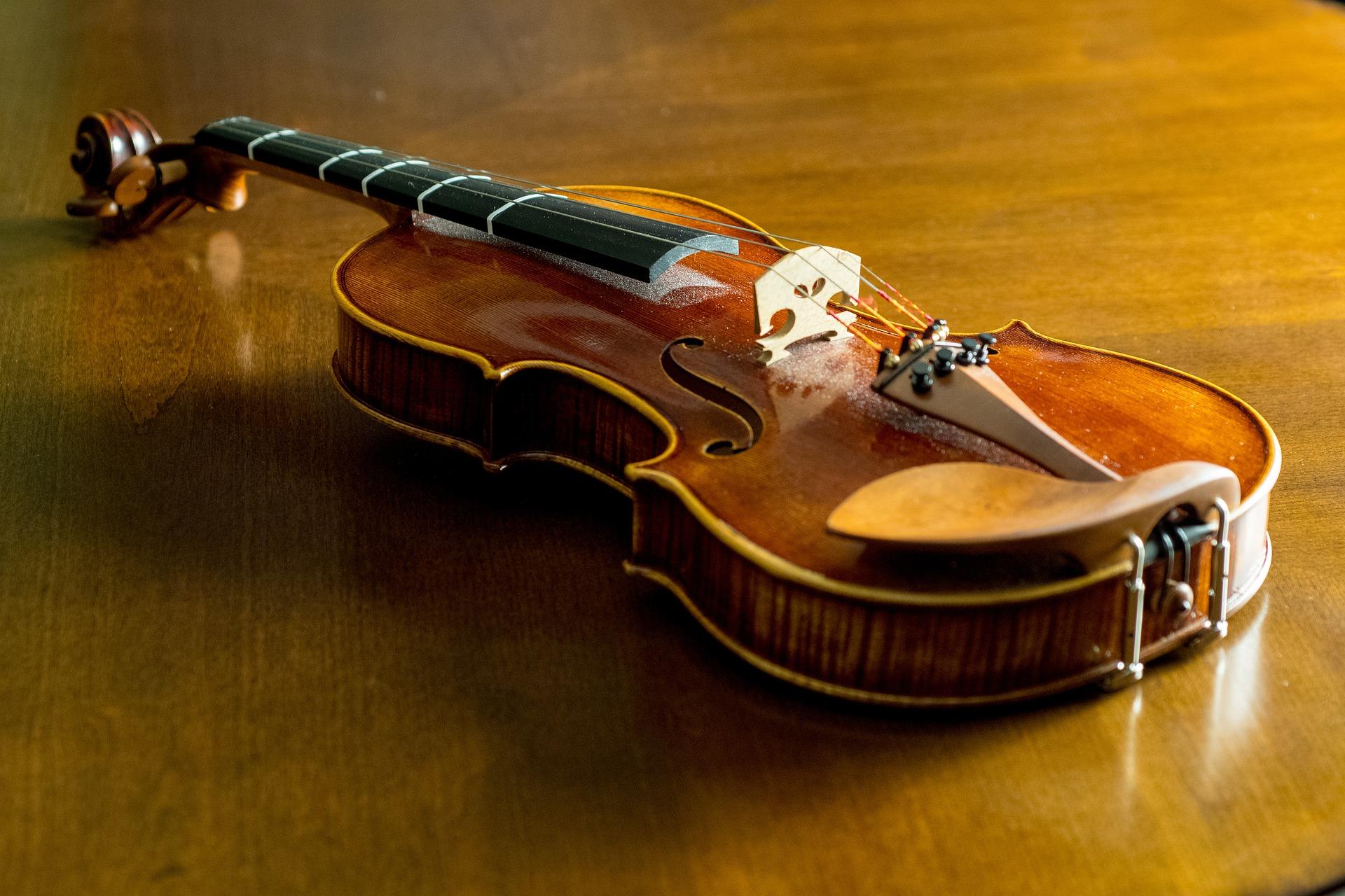 Yellowcard(イエローカード)ロックとバイオリンを共存させたバンド