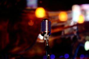 Ashlee Simpson(アシュリー・シンプソン)ハスキーボイスでガールズロックを歌う