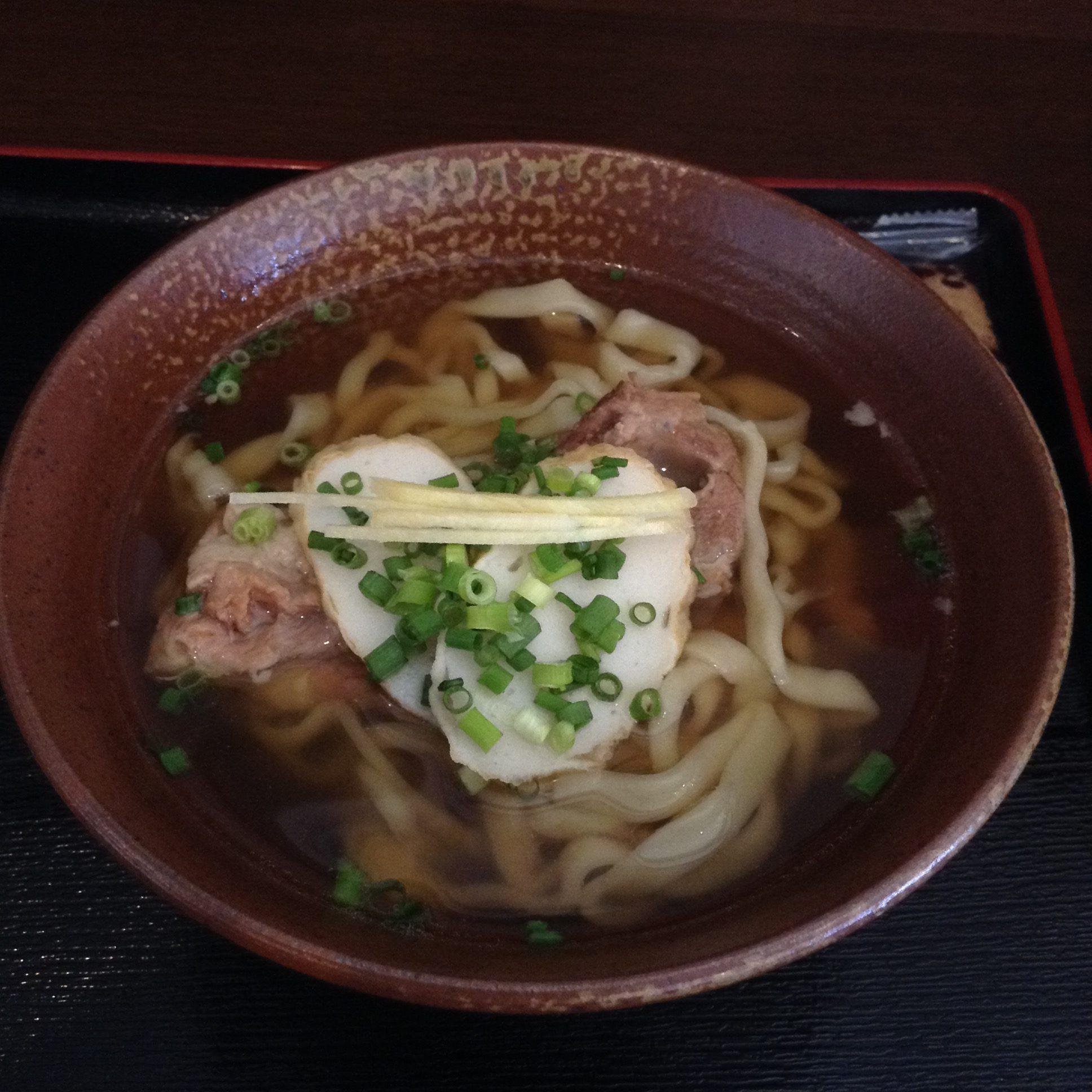 沖縄・西原町「ちょーでーぐぁ」で沖縄そばを食べた