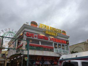 沖縄・北谷町「ジェッタバーガーマーケット」でハンバーガーを食べた