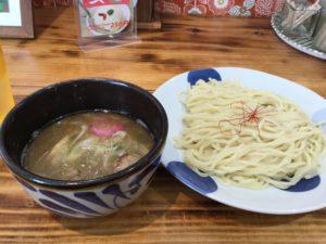 沖縄・読谷村「はちれん」でつけ麺を食べた