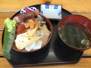 沖縄・浦添市「海鮮食堂 太陽」は丼物が美味しい店