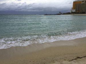 沖縄・北谷町「北谷サンセットビーチ」は綺麗なサンセットが見れる
