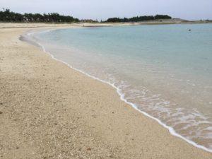 沖縄・西原町「西原きらきらビーチ」はビーチバレーとビーチサッカーができる