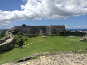 沖縄・北中城村「中城城」は広大な景色の城跡