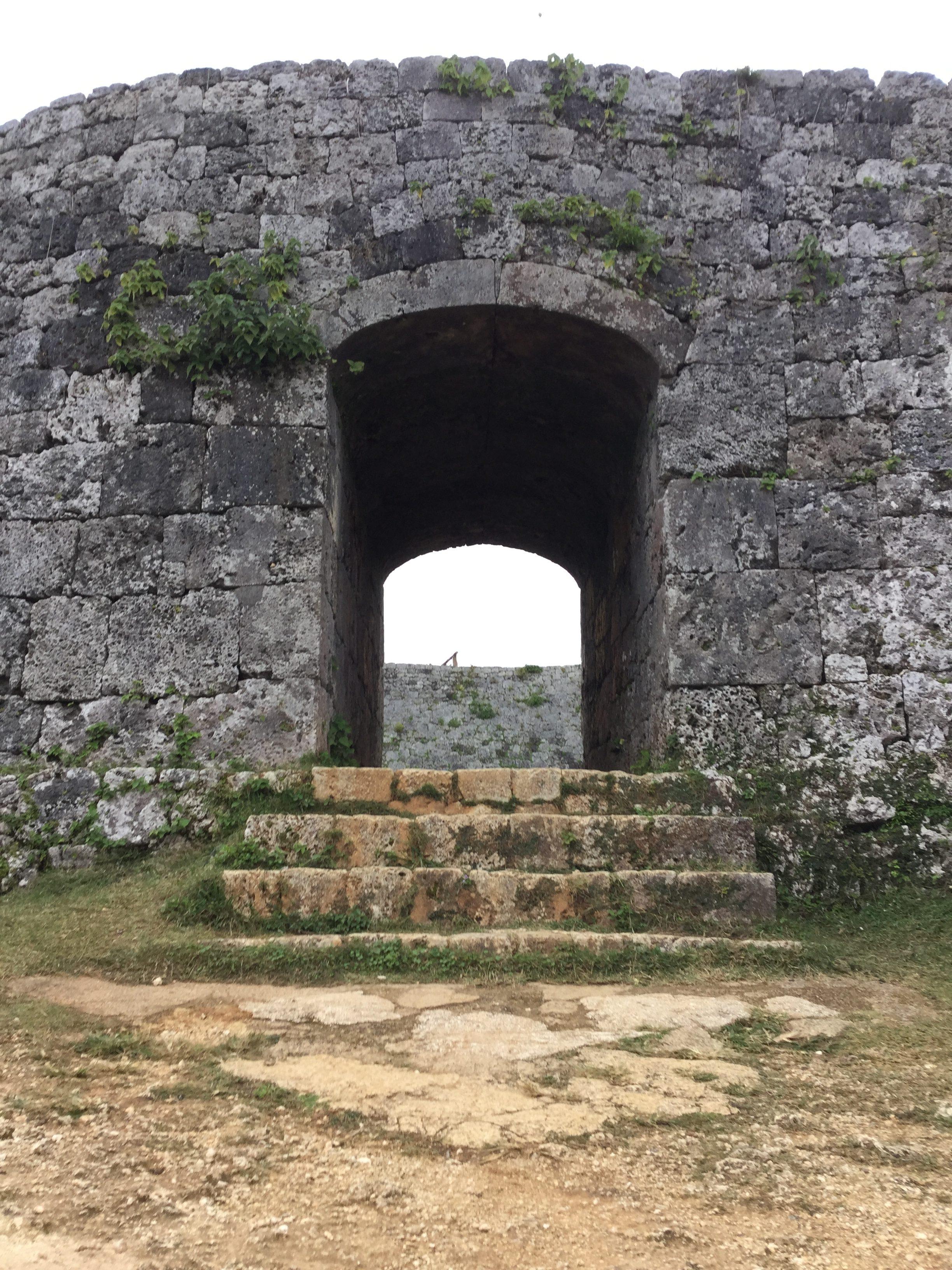 沖縄・読谷村「座喜味城跡」は穏やかな空気が流れている城跡
