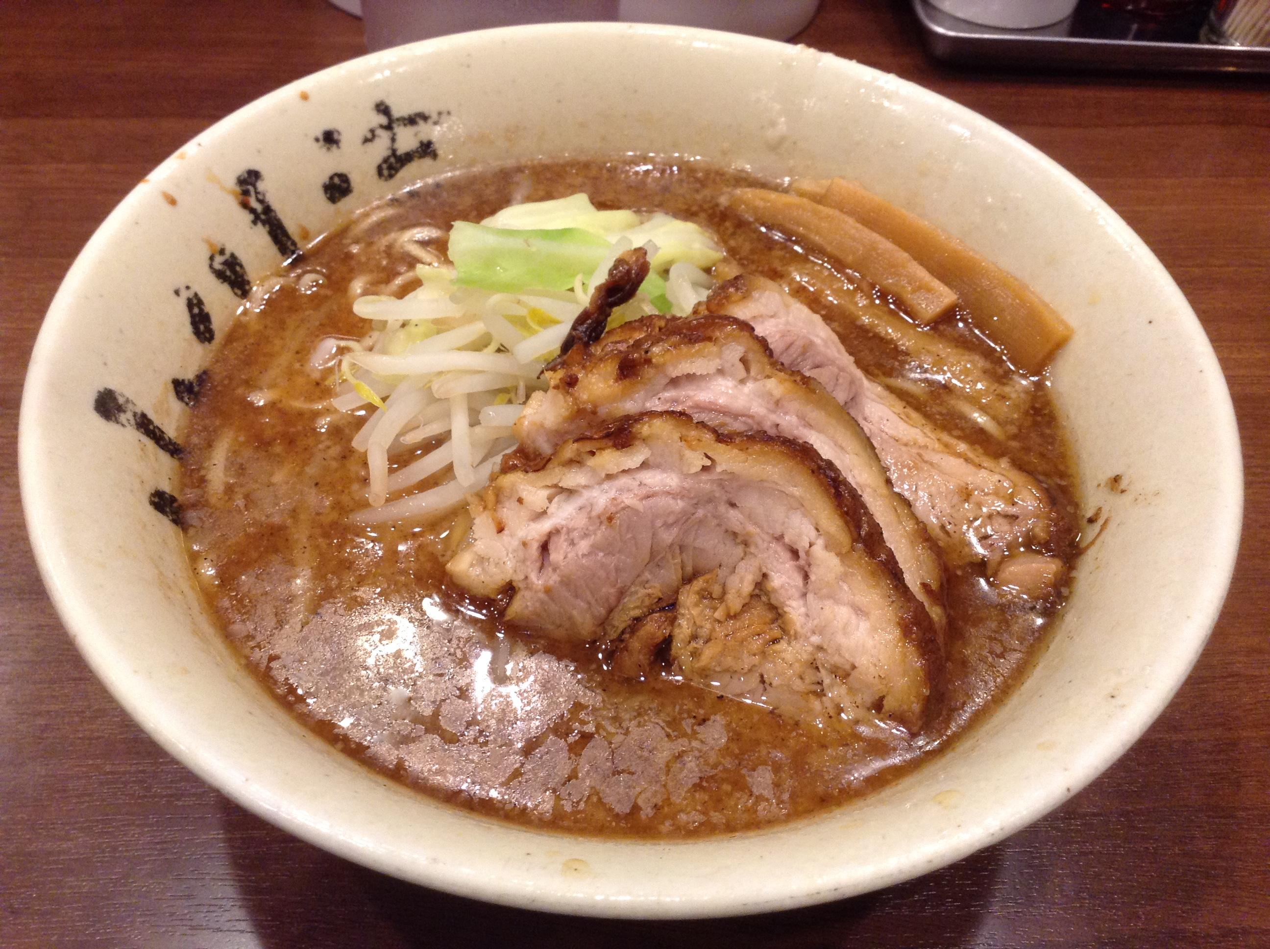 神奈川・厚木市「 らーめん・つけ麺 小川流」のラーメンとつけ麺はイケメン級の美味しさ