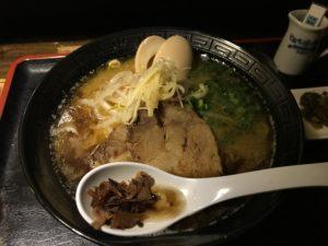 沖縄・中城村「我流家」でとんこつラーメンを食べてきた
