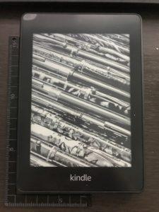 「Kindle Paperwhite」本は紙書籍ではなく電子書籍で読む時代になった